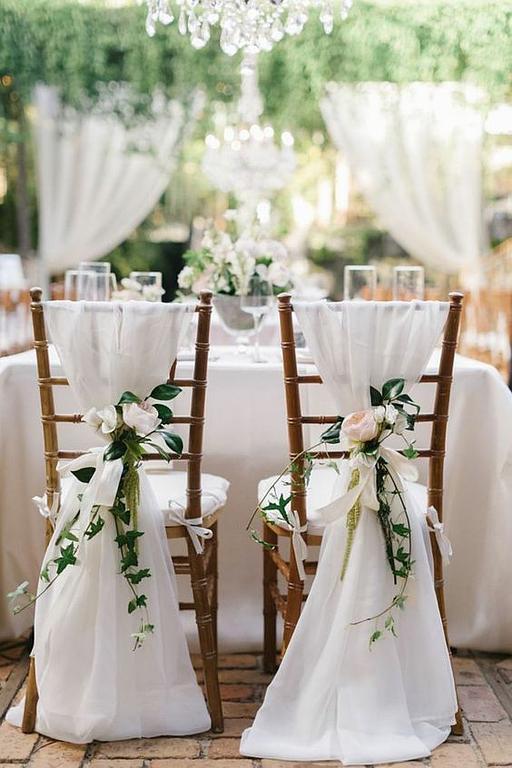 wedding planner chaise